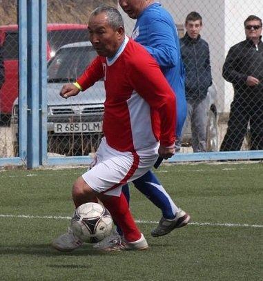В Актау определились первые полуфиналисты ветеранского турнира по мини-футболу