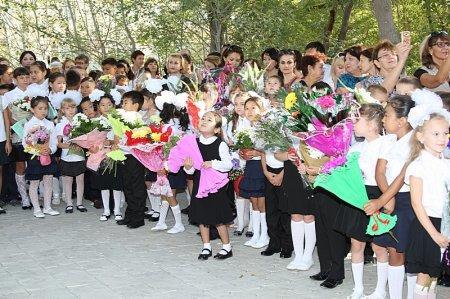 В школах Актау отметили 1 сентября