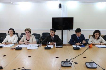 В акимате Мангистауской области прокомментировали непродление трудовых договоров с директорами школ и детских садов