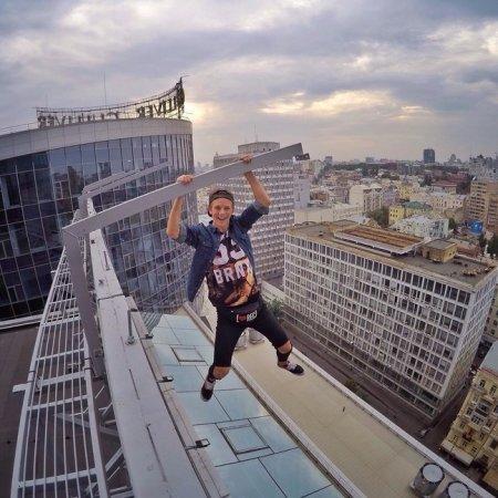 Невероятные трюки 18-летнего украинца взбудоражили весь мир
