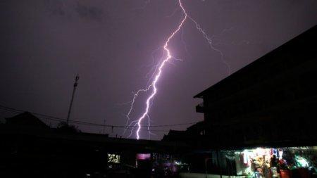 В Индии за сутки молниями были убиты больше 20 человек
