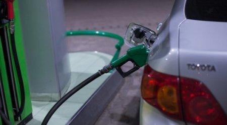 Почему нефть дешевеет, а бензин дорожает в Казахстане