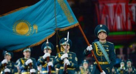 """Казахстанский военный оркестр """"взорвал"""" Красную площадь в Москве"""