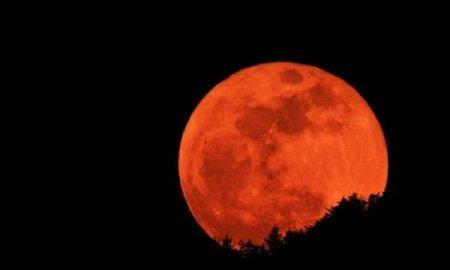 НАСА: Кровавая луна 28 сентября не приведет к концу света