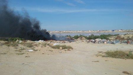 Рядом с поселком Приозерный горела стихийная свалка