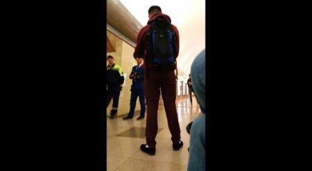 Недовольный пассажир закатил истерику в метро Алматы