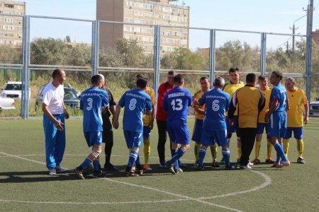 В Актау стартовал очередной турнир по мини-футболу среди ветеранов