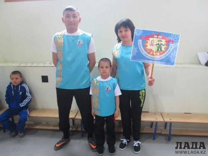 Мангистауские полицейские продолжают оказывать материальную помощь малоимущим семьям