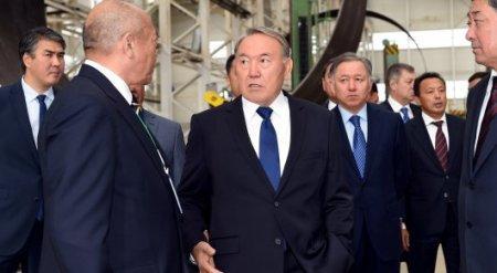 """Назарбаев назвал себя """"ходячей рекламой казахстанской продукции"""""""