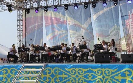 Жители Актау приняли участие в концерте к Дню города