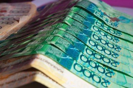 В Казахстане ограничат размер штрафов по кредитам