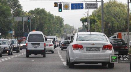 В Казахстане на тысячу человек приходится 252 авто