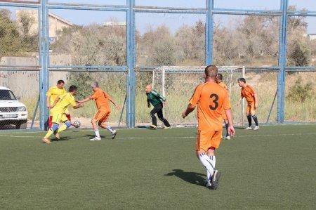 Ветеранский турнир по мини-футболу «Мангистау» вышел на финишную прямую
