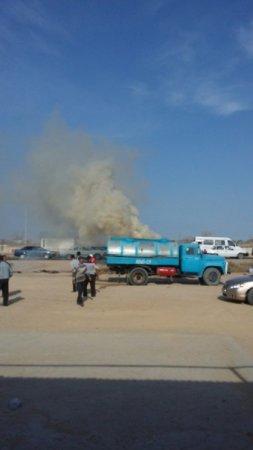 В Мунайлинском районе загорелся грузовой автомобиль