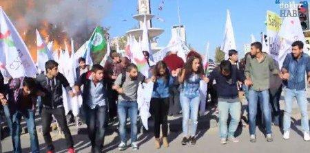 Момент взрыва на антивоенном митинге в Анкаре
