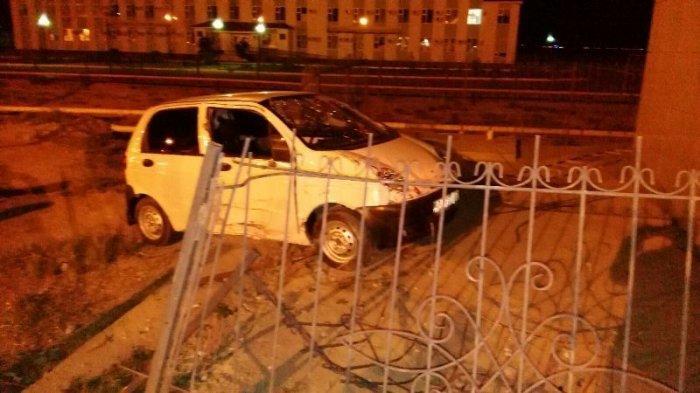 В Мангистау водитель Дэу Матиз уснул за рулем и врезался  в аптеку