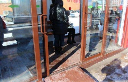 Тёплая остановка в Астане не выдержала первых морозов