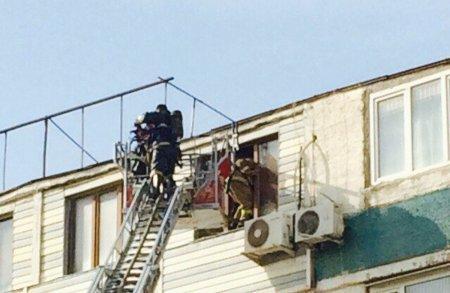 В 12 микрорайоне Актау загорелась квартира
