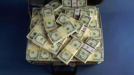 Как госслужащие зарабатывают деньги на погашение многомиллионных штрафов