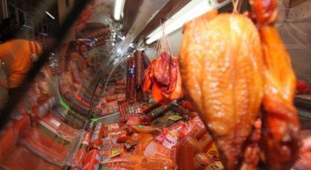 Казахстанцев призывают не есть в больших количествах красное и переработанное мясо