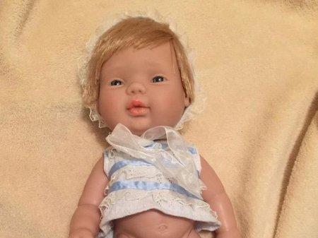 В Instagram обсуждают недетскую куклу