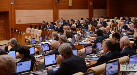 Пресс-секретарь Назарбаева прокомментировал возможность досрочных парламентских выборов