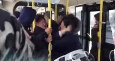 Драку кондуктора и пассажира в автобусе в Астане сняли очевидцы