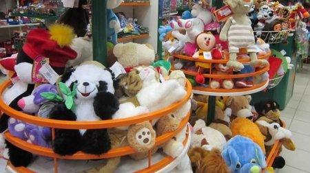 В казахстанских магазинах обнаружили ядовитые игрушки из России и Китая