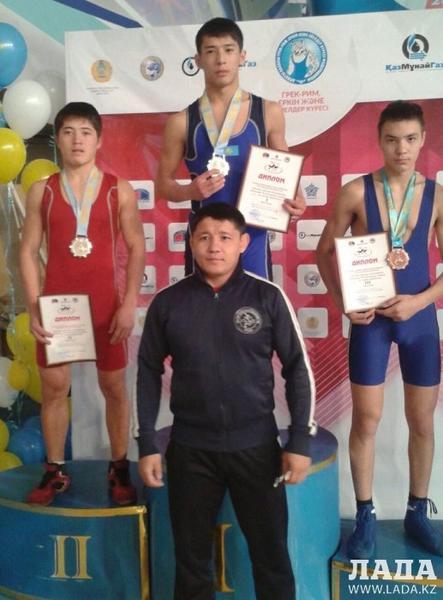 Два актауских спортсмена стали бронзовыми призерами республиканского турнира по греко-римской борьбе