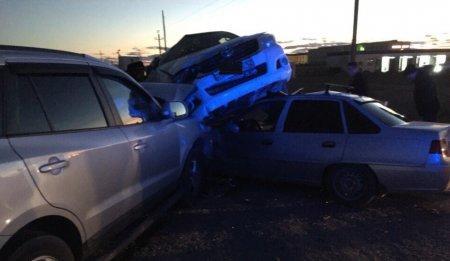 Три машины столкнулись в Мангистауской области (ВИДЕО)