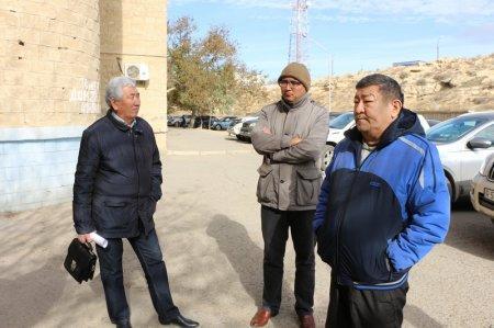 Жители 14 микрорайона Актау потребовали провести проверку законности строительства внутри микрорайона