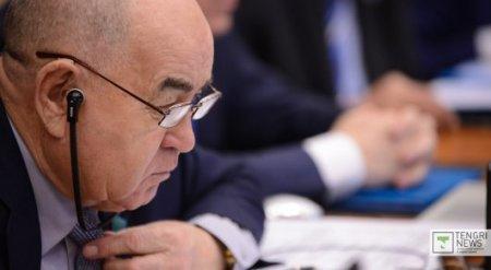 Депутат назвал заинтересованных в повышении цены на хлеб в Казахстане