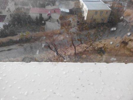 В Актау уже второй раз за день идет град