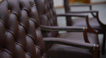 Госслужащие с 25-летним стажем должны уходить на пенсию - Президент