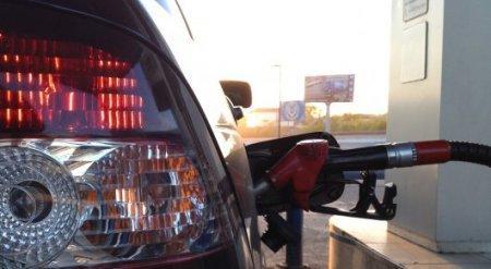 Ситуацию с ценами на бензин после роста акцизов прокомментировал Школьник
