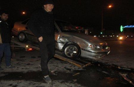 На перекрестке  в Актау столкнулись два автомобиля