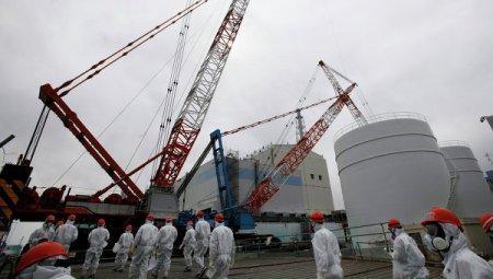 """Защитная стена АЭС """"Фукусима-1"""" в Японии накренилась на 20 сантиметров"""