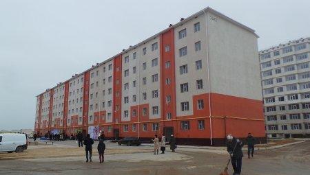 В Актау 100 очередников стали новоселами