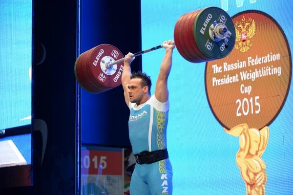 Илья Ильин установил два мировых рекорда в Грозном