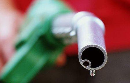 """Срок использования бензина """"Евро-2"""" и """"Евро-3"""" продлён в Казахстане"""