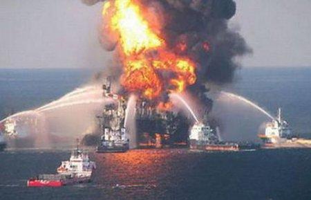 Новые силы привлечены для тушения пожара в Каспийском море