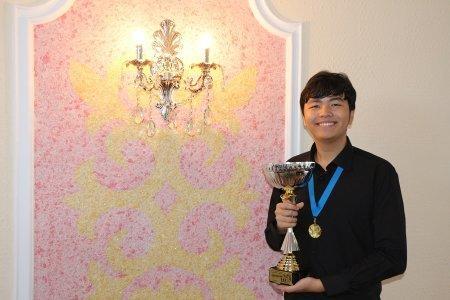 Ученик детской школы искусств Актау по классу фортепиано Рашид Рахимов завоевал гран-при на международном конкурсе в Новосибирске