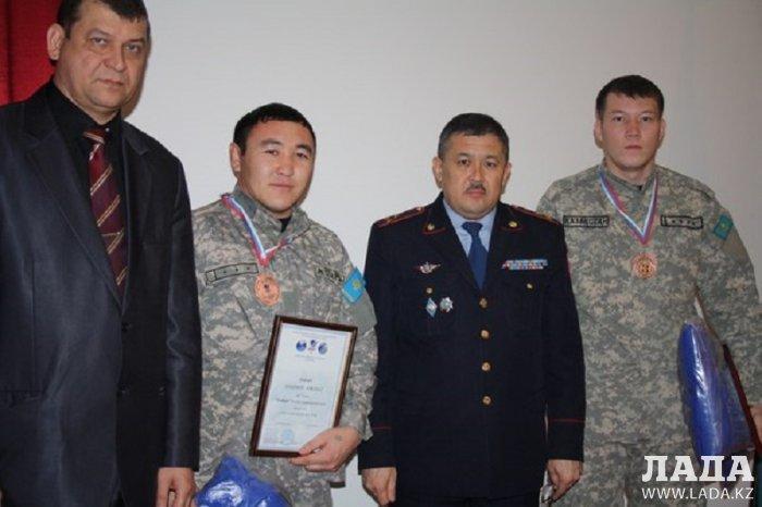 В мангистауской полиции наградили грамотами спецназовцев - бронзовых призеров чемпионата мира по универсальному бою