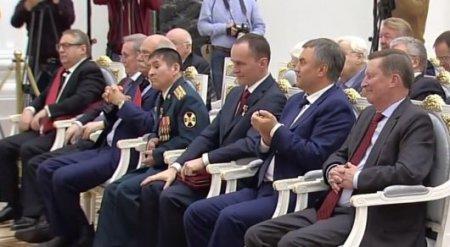 Путин вручил полковнику Султангабиеву Звезду Героя России