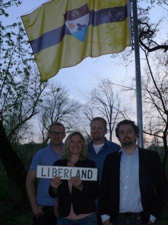 Более 150 казахстанцев хотят получить гражданство самопровозглашенной республики Либерленд