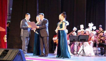 Победителям областного конкурса «Маңғыстау жұлдыздары» вручили ключи от автомобиля