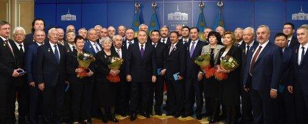 Bручение государственной премии Республики Казахстан 2015 года в области науки и техники имени аль-Фараби