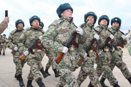 В Мангистау 110 новобранцев пограничной службы приняли присягу
