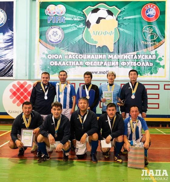Команда «Каспий» стала победителем ветеранского турнира по футзалу на Кубок «Мобил Сервис»