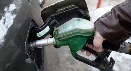 Срок обращения бензина Евро-2 и Евро-3 продлен в Казахстане до 2018 года